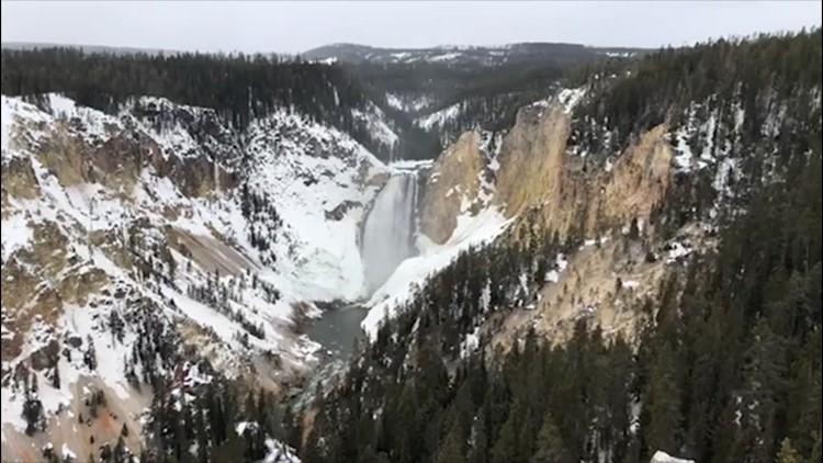 Late-season snowfall targets the Midwest
