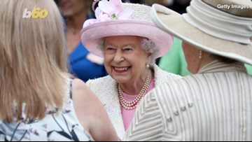Selfie Surprise? Members Of The Royal Family Aren't Allowed To Take Selfies & This Might Be The Reason...