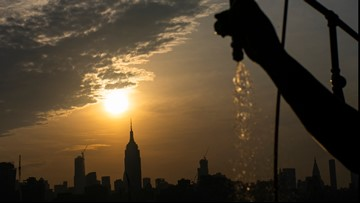 Heat, humidity keeps hold on Eastern US as weekend slogs on