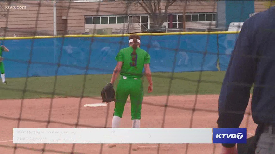 Timberline Wolves host Mountain View in 51 softball play