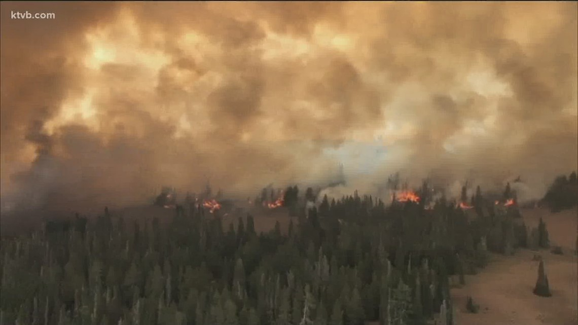 Firefighters eye coming weather during Woodhear Fire fight