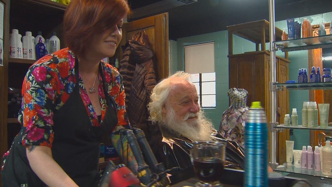Idaho Life: Boise mall Santa gets a haircut