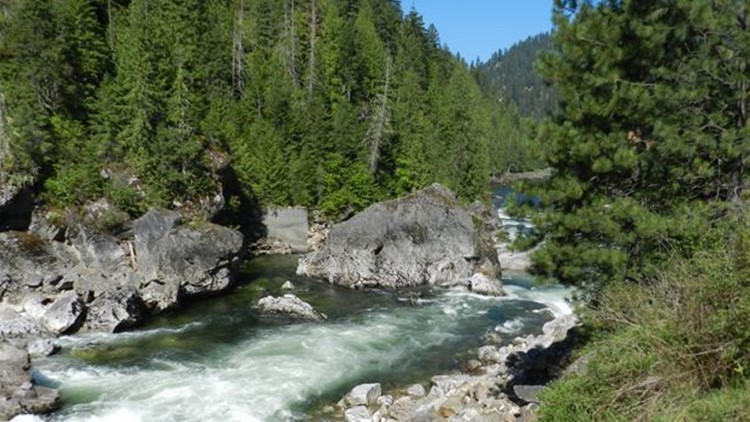 The bodies of two hunters have been recovered from the Selway River, more than three weeks after their vehicle plunged into the fast-moving water.