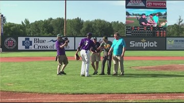 WWII veteran tosses out first pitch at Hawks game