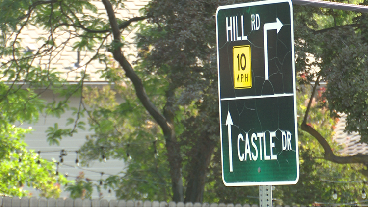 Ada County Highway District to replace 250 street signs, some due to heat damage