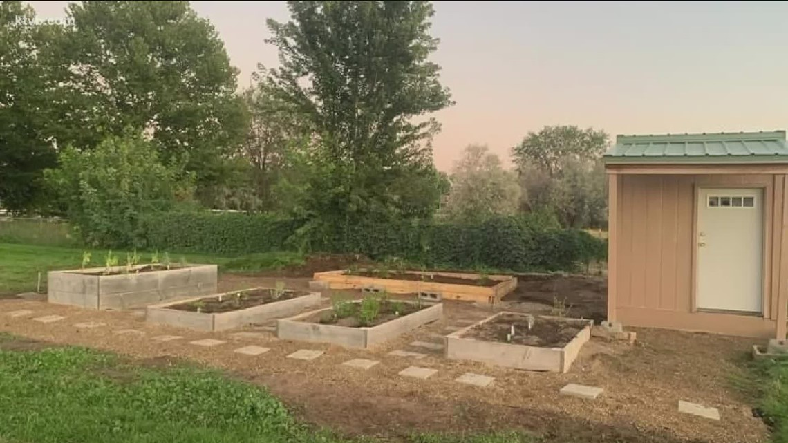 You Can Grow It: Volunteer gardens providing a community service