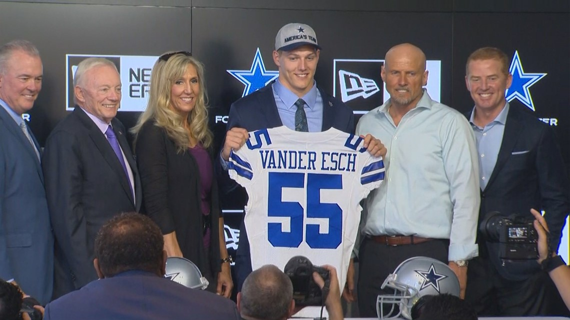 Former Boise State Bronco Leighton Vander Esch was officially introduced as  the newest member of the Dallas Cowboys football team at a press conference  on ... 11eb38265