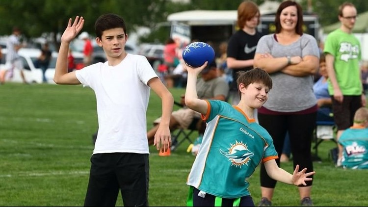 Blind quarterback scores first touchdown thanks to Idaho nonprofit