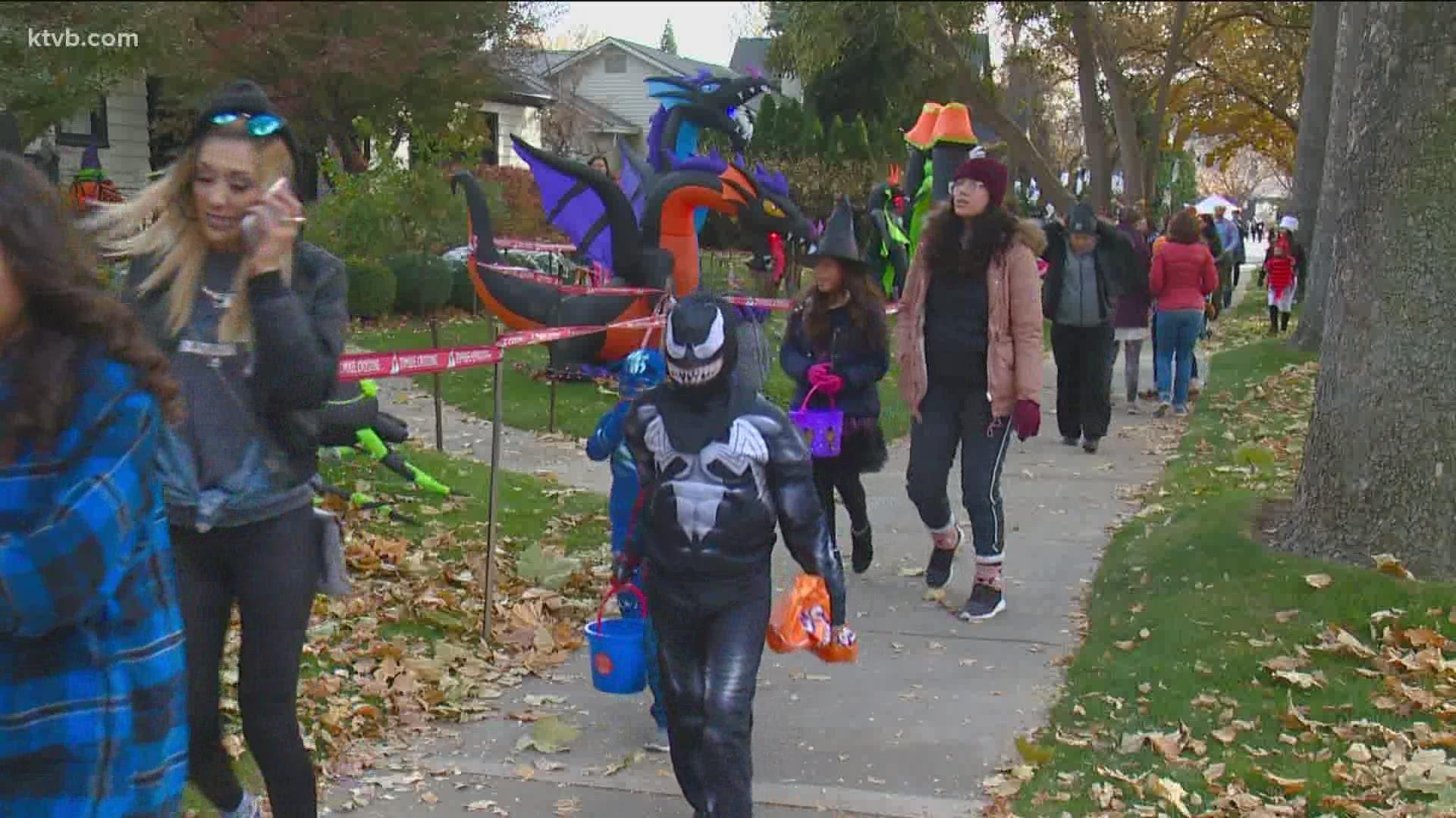 2020 Harrison Blvd Halloween Boise Idaho Neighbors on Boise's popular Harrison Boulevard will not pass out