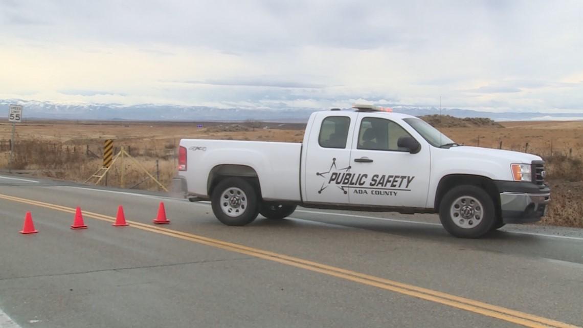 2 dead in Kuna Mora Road wreck