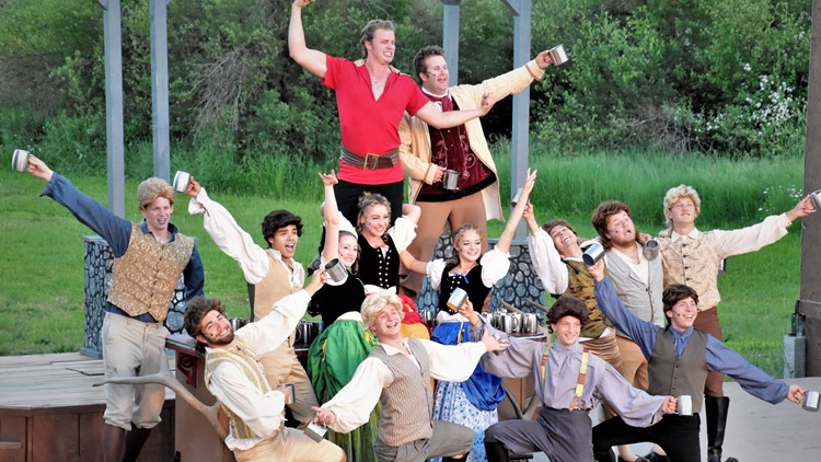 Starlight Mountain Theatre presents Broadway musicals in an outdoor theater