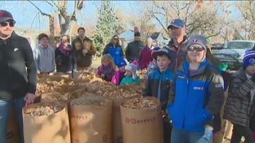 KTVB families and kids help with Rake Up Boise