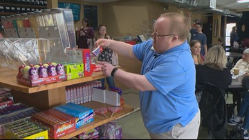 New Meridian candy shop hires people with special needs