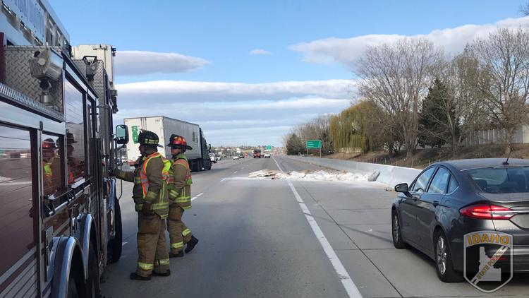 Cement and sand spilled on I-84 causes traffic delays in Meridian