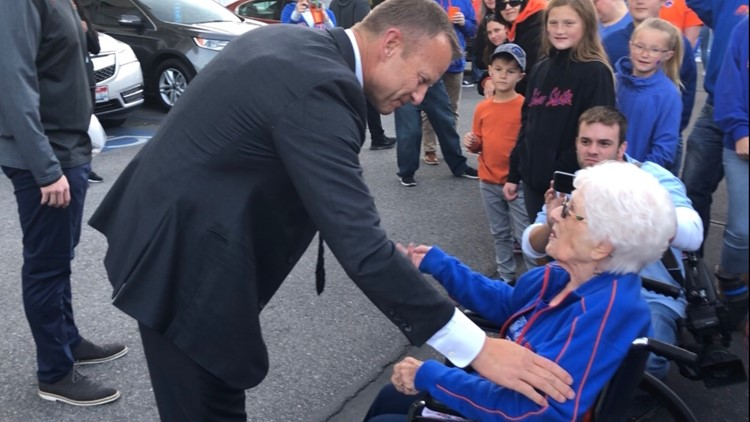 90-year-old Boise State fan rarely misses a game and has a special pregame tradition with coach Bryan Harsin