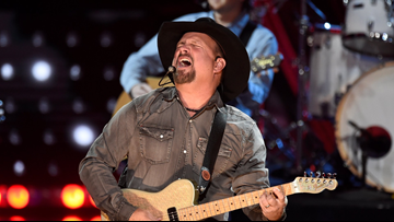 Here's where you can still score tickets to Garth Brooks' Boise concerts