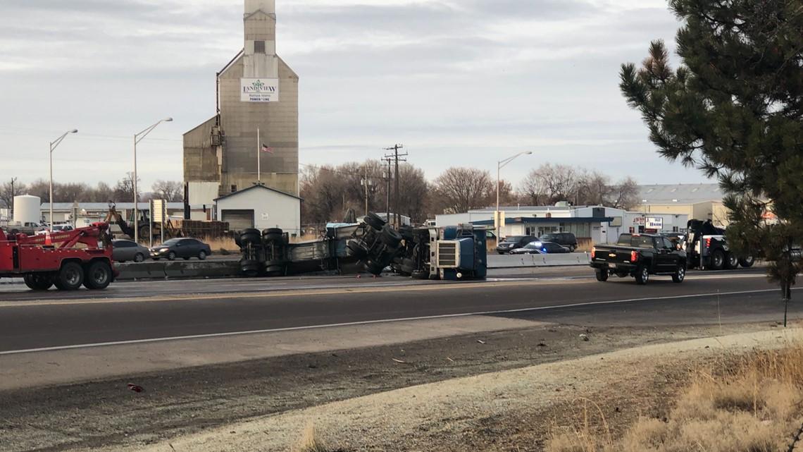Crash blocks westbound I-84 in Nampa | ktvb com