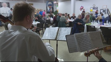 Boise groups host free dinner, concert for federal workers affected by shutdown