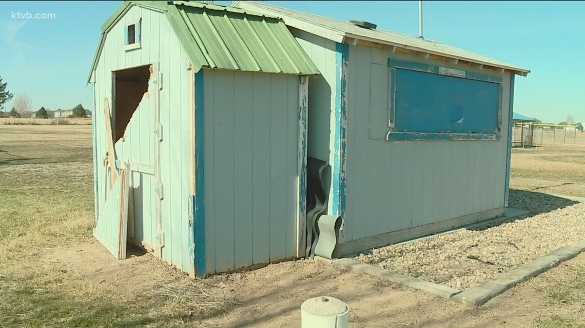 Community shows support for youth baseball league after concession stand vandalized
