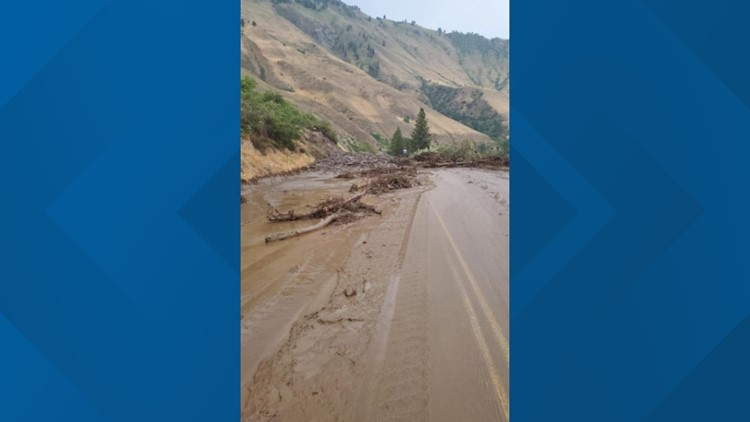 Mudslide blocking U.S. 95 near Riggins