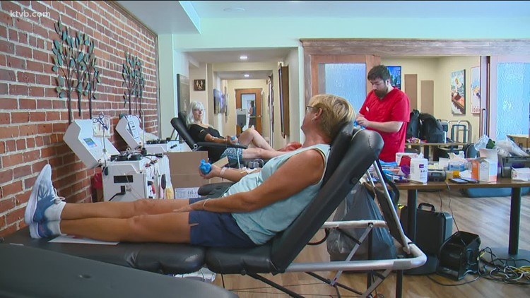 Nationwide blood shortage prompts longtime Idaho donors to encourage others to donate