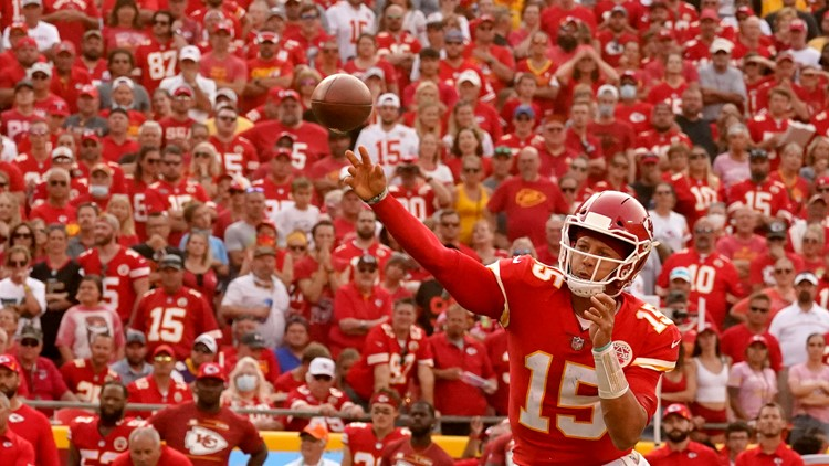 NFL Roundup: Mahomes and Stafford shine; impressive wins for Saints, Cardinals
