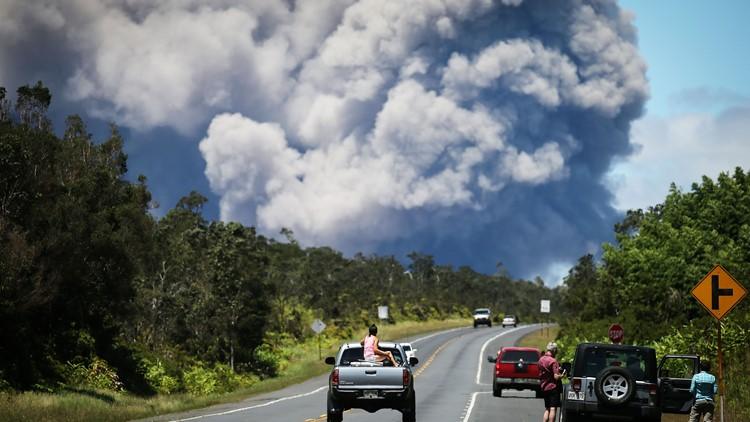 ash plum Kilauea volcano may 15