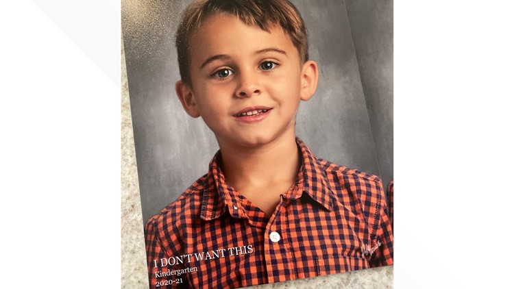 'If 2020 was a school photo': Mom's instructions turn into unintentionally hilarious photo
